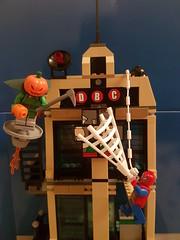 Spidey smash Jack O Lantern!