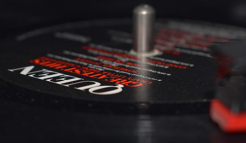 Vinyl Revival - Queen - HMM