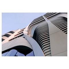 Bruxelles . #xpro2 #fujixpro2 #fujifeed #fujifilm #fujilove #myfujilove #fujifilm_xseries #fujifilmusa #fujifilmnordic #fujifilmme #fujifilm_uk #twitter #xf23mm #architecturephotography #design #architecture #apple #applestore #bruxelles #brussels #belgiu