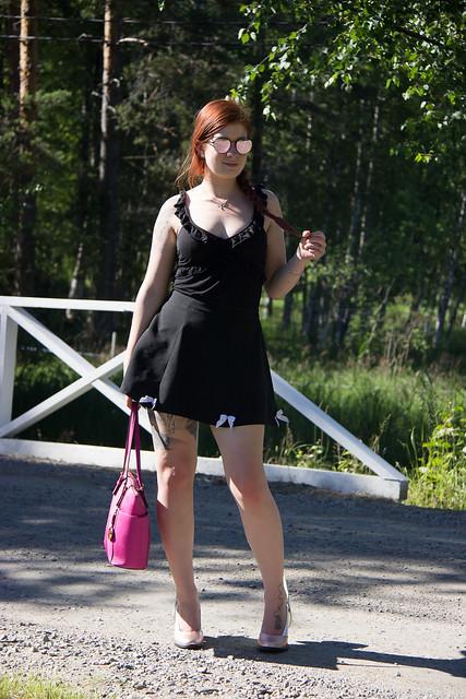Sillalla Päivän Asu Tyyliblogi Muoti blogi lifestyle bloggaaja Pohjois- Karjala Lindex toppi Cobblerina nahkakengät kotimaiset mittatilauskengät Michael Kors Laukku my style fashion blog