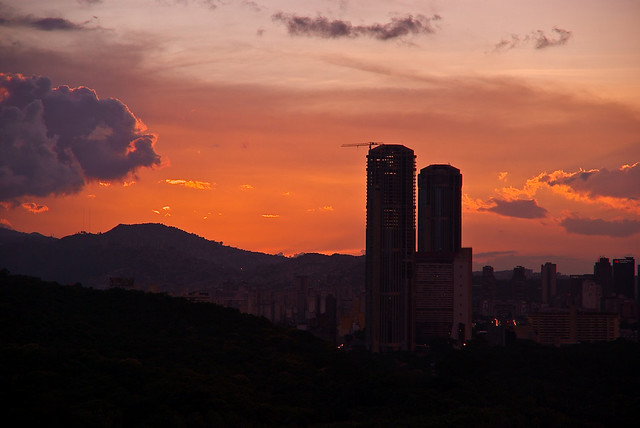 Entardecer em Caracas, capital da Venezuela - Créditos: Alex Lanz/ Flickr