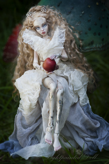 Titania. The Queen of the Fairies. OOAK Lightpainted Doll.