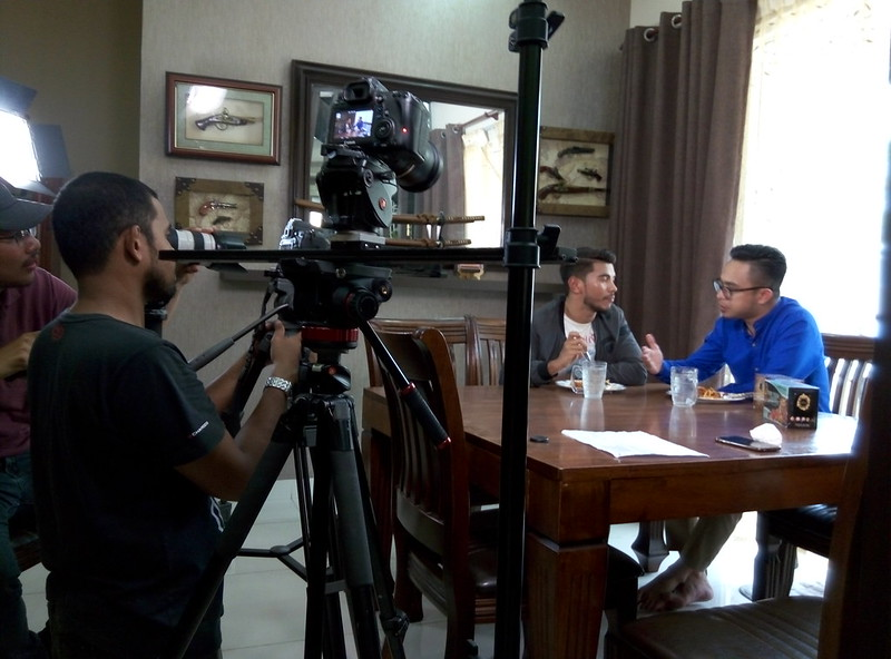 Azrel Ismail Jadi Pengacara Program Maskulin