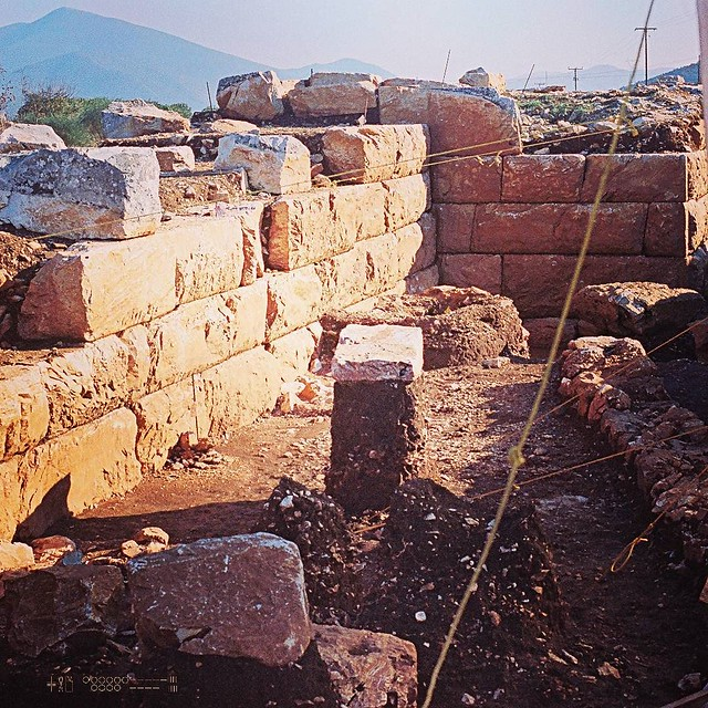 Rescue dig, 1998, ΠΑΘΕ. The fortification wall of Halieis, with other buildings stratified below it to the right. #archaeology #thessaly #ancient #film #flickr #NikkormatEL