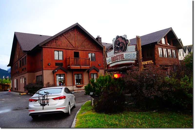 The Hostel Bear l, Canmore