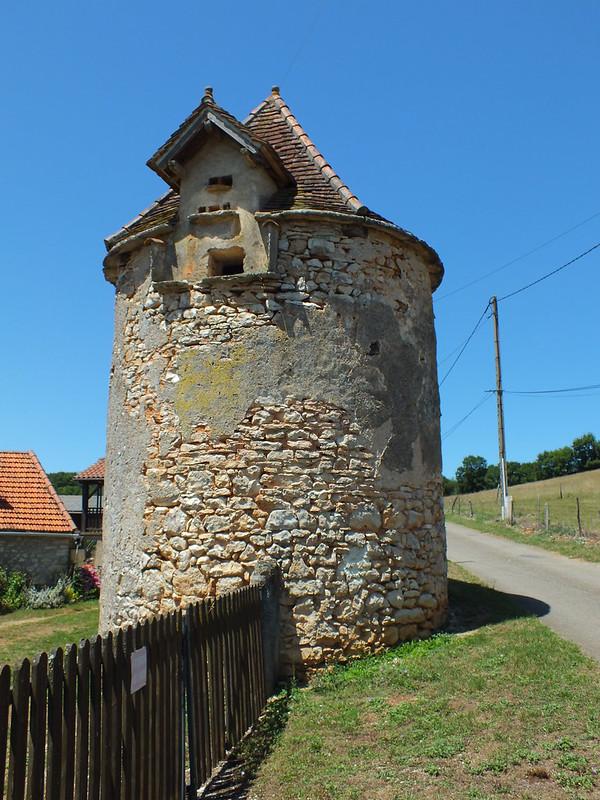 Saint-Chels - Le pigeonnier du Mas de Rau