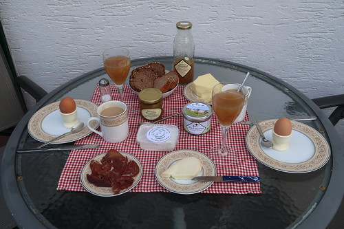 Drittes Frühstück in unserer Ferienwohnung in der Rhön