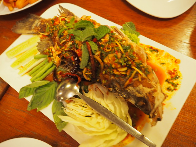 P6243737 Koh Lan Ta Restaurant & Karaoke at Suvarnabhumi thailand bangkok タイ バンコク