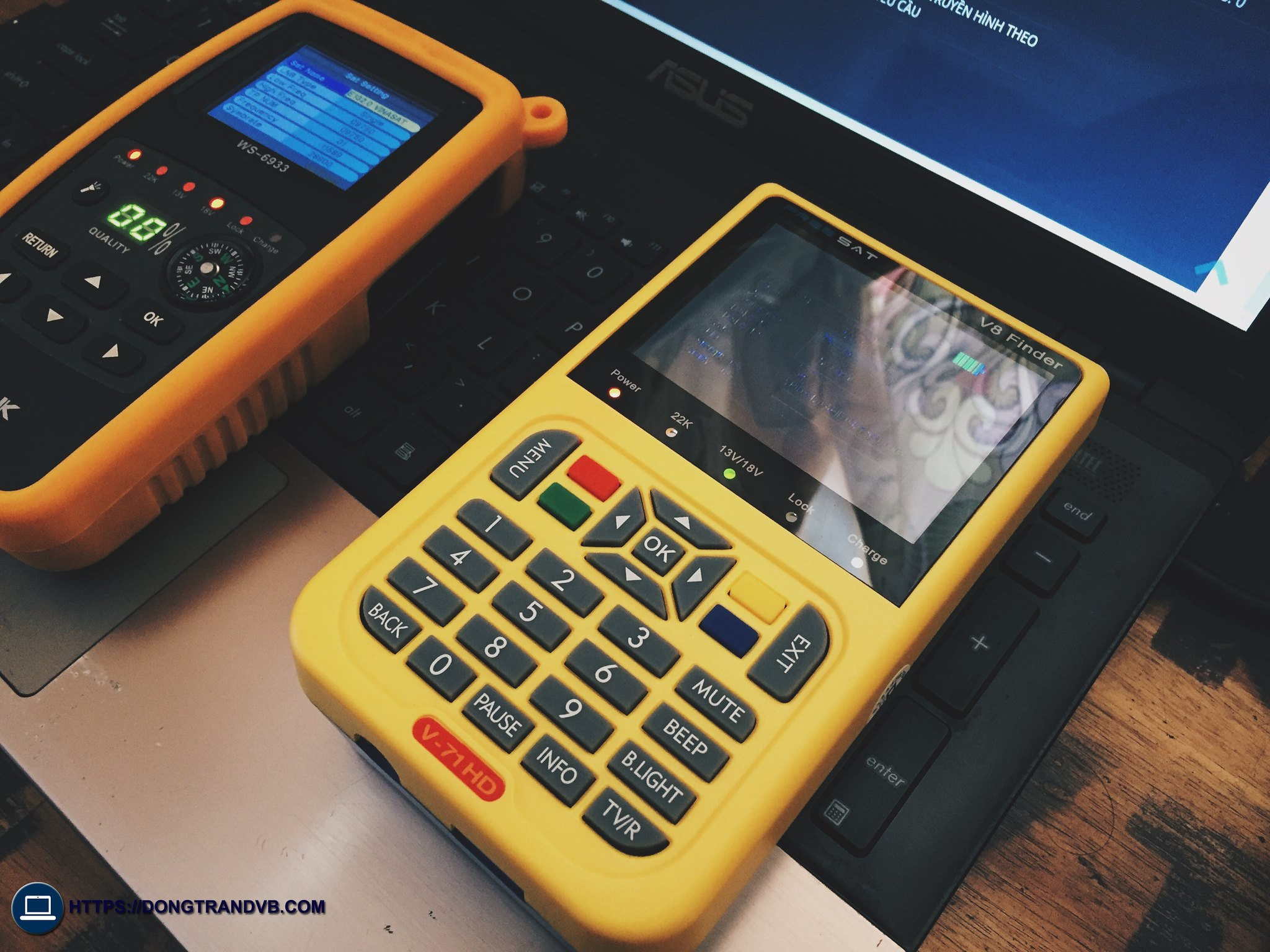 Đầu Dò Sóng Vệ Tinh V8 Finder 36115916116_1691c7ba1b_k