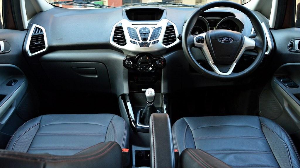 new-2016-Ford-Ecosport-interior-24