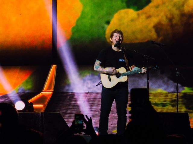 Ed Sheeran Rogers Place, Panasonic DMC-ZS45