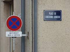 Place de l'Ancienne Comedie, Semur-en-Auxois - road sign