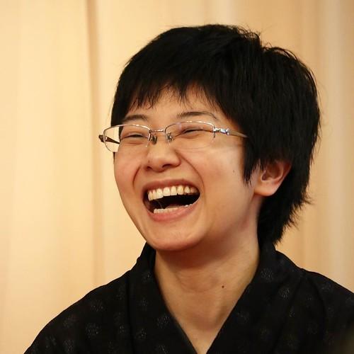 笑顔が素敵な人でした。この後、懇親会でご一緒したんですけど、独演会を主催する時の損益分岐点の話とか、「プロの落語家さん」ならではの話が聞けて、今回のシェアする落語もおもしろかった。 #立川こはる #シェア落 #シェアする落語 #落語 #深川東京モダン館