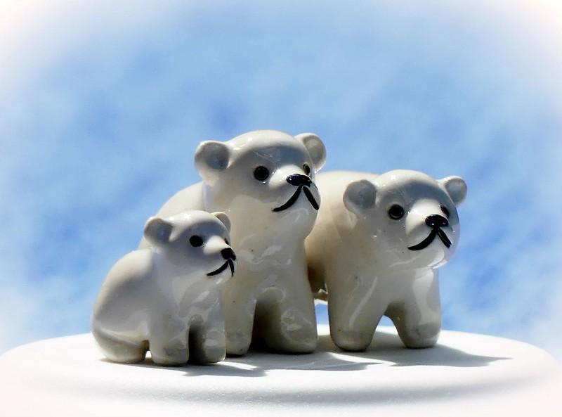 Polar Bear Miniatures * three* macro monday HMM (expl.)