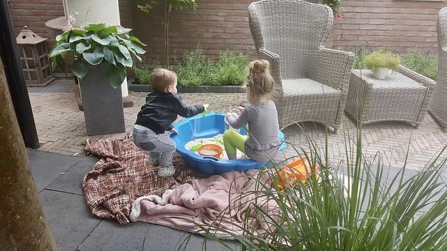 Kinderen in de zandbak