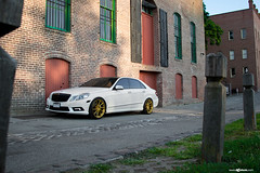 mercedes-benz-e-class-m621-gold-bullion-wheels-3