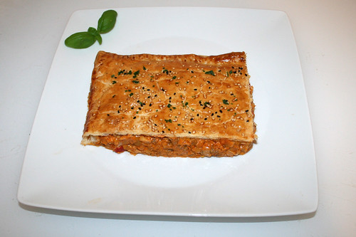 51 - Ground meat leek cheese strudel - Served / Hackfleisch-Lauch-Käsestrudel - Serviert