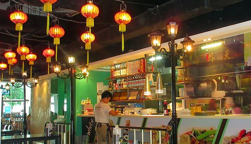 Three Aussies Bangkok Feeding Frenzy