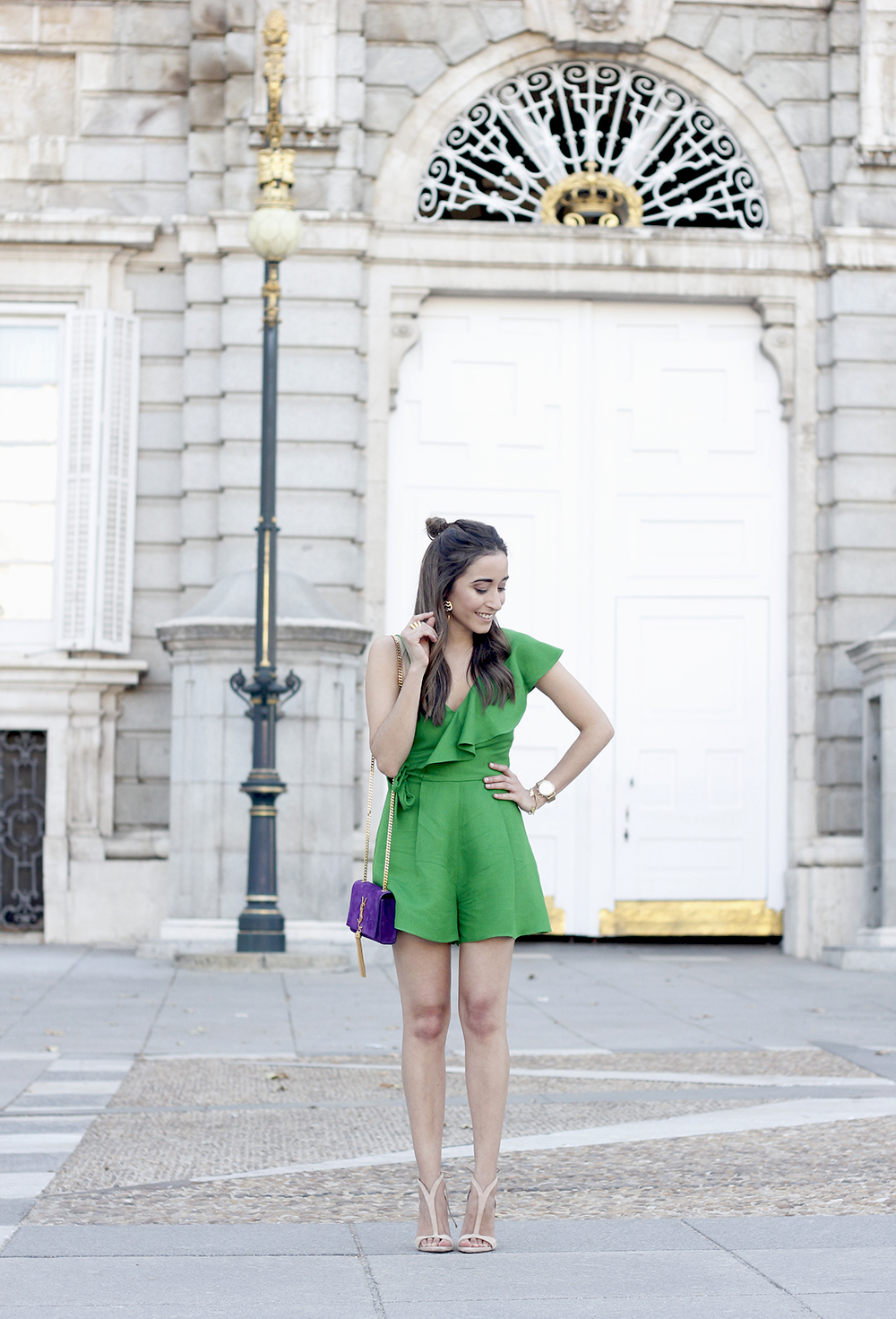 Green jumpsuit ysl bag heels uterqüe accessories summer outfit fashion06