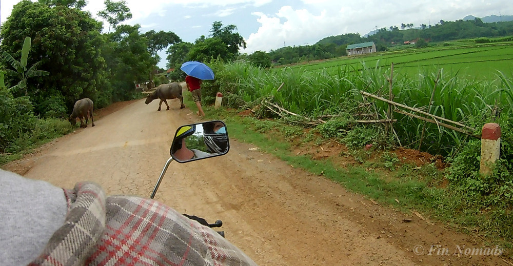 vietnam motorbiking dos donts