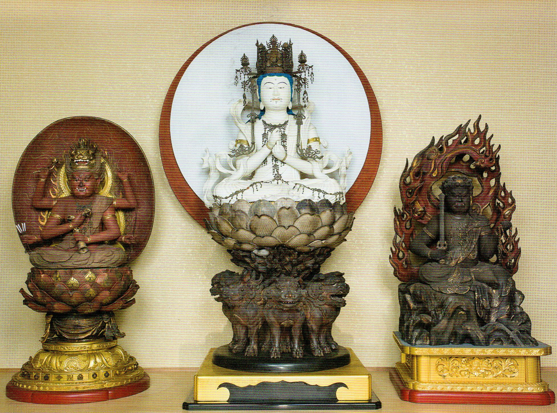 《一字金輪三尊坐像》(江戸時代、大阪・西願寺)