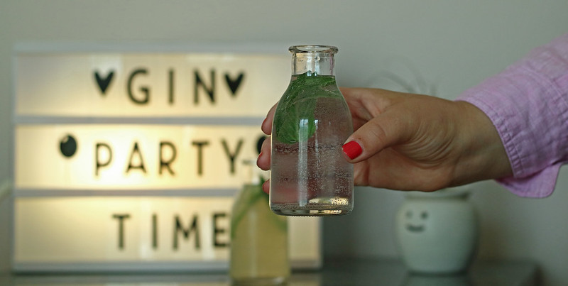 Gin Party Lightbox