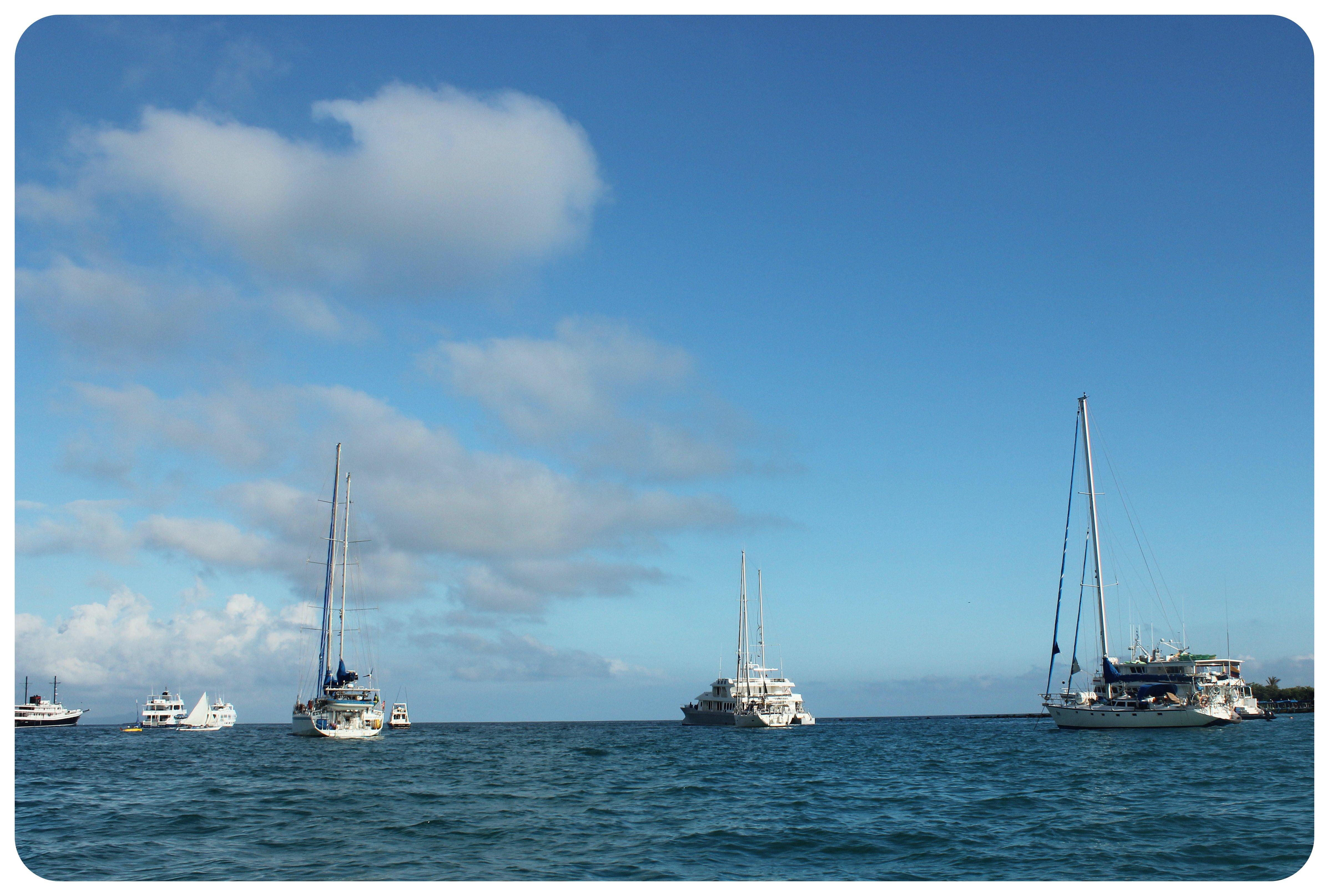 galapagos boats