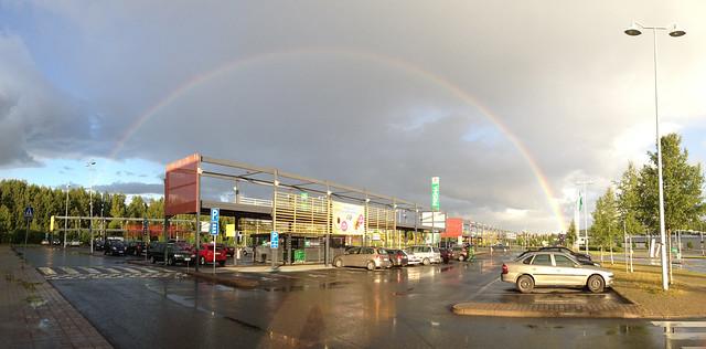 Kokonainen sateenkaari. Valokuvaaja: Markus Kauppinen
