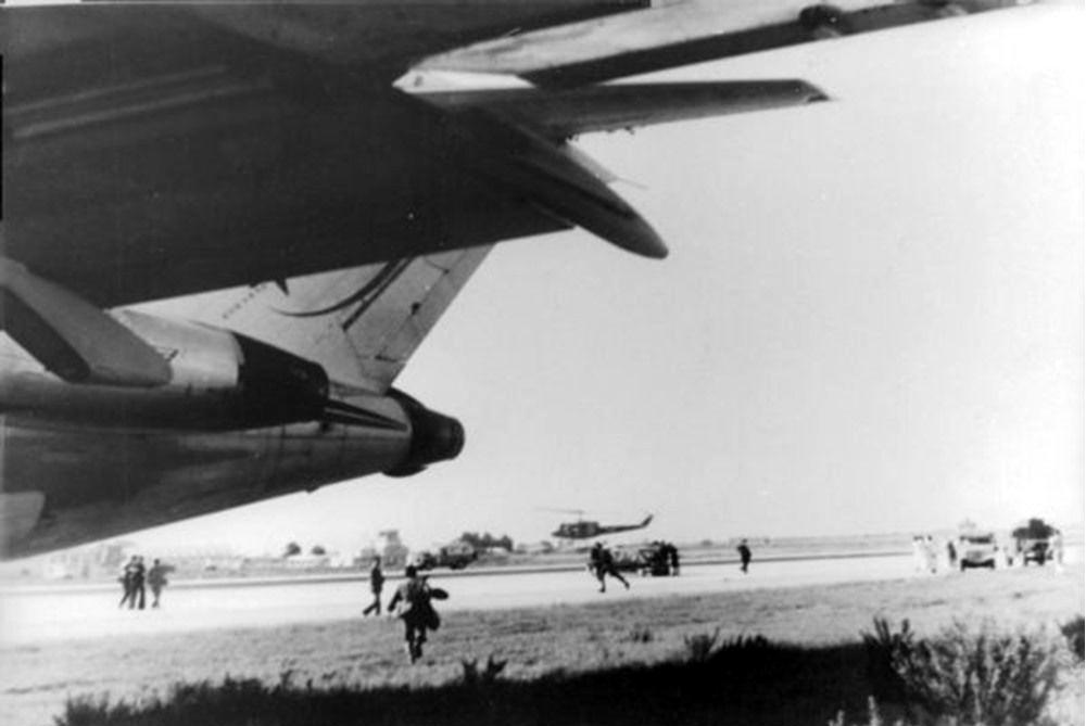 Tentative de coup d'État Boeing Royal vs F-5A/B Opération Borak le 16 août 1972 35741025300_eda969d379_o