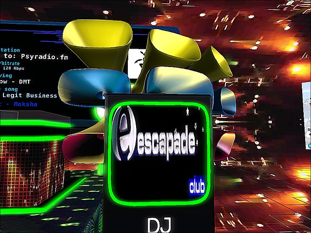 Escapade Club - Grand In the Opening