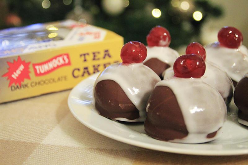 Tunnocks Teacake Mini Christmas Pudding recipe food blogger UK lifestyle