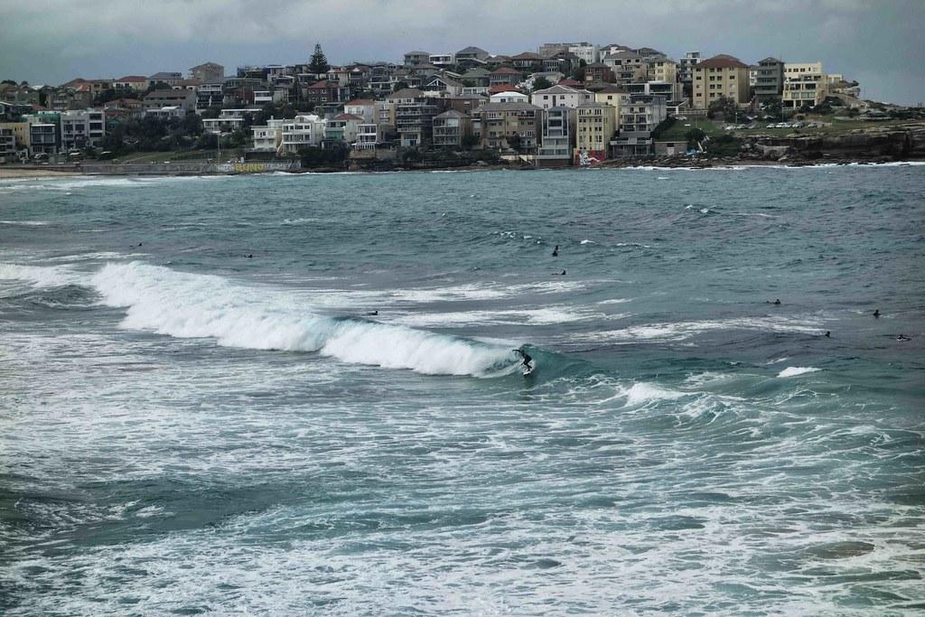 Sydney - Bondi Beach - Surfers