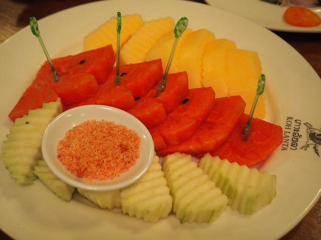 P6243759 Koh Lan Ta Restaurant & Karaoke at Suvarnabhumi thailand bangkok タイ バンコク