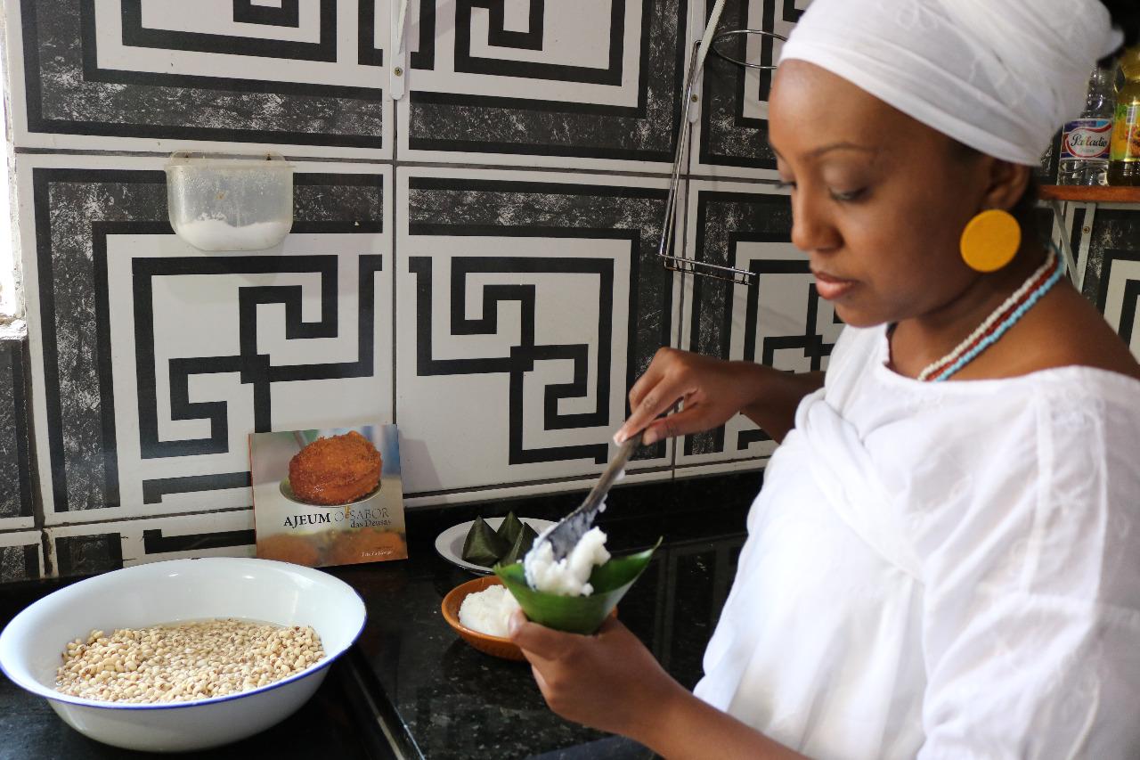 """""""Cozinhando no Candomblé, recuperei minha ancestralidade"""""""