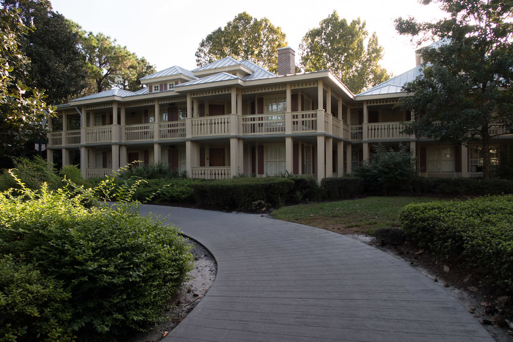 Exterior of rooms at Port Orleans Riverside