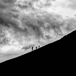 25. Juuli 2017 - 21:31 - Dad racing his kids to the top before the storm !