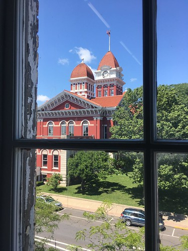 indiana july 2017 crown point courthouse window view antique store