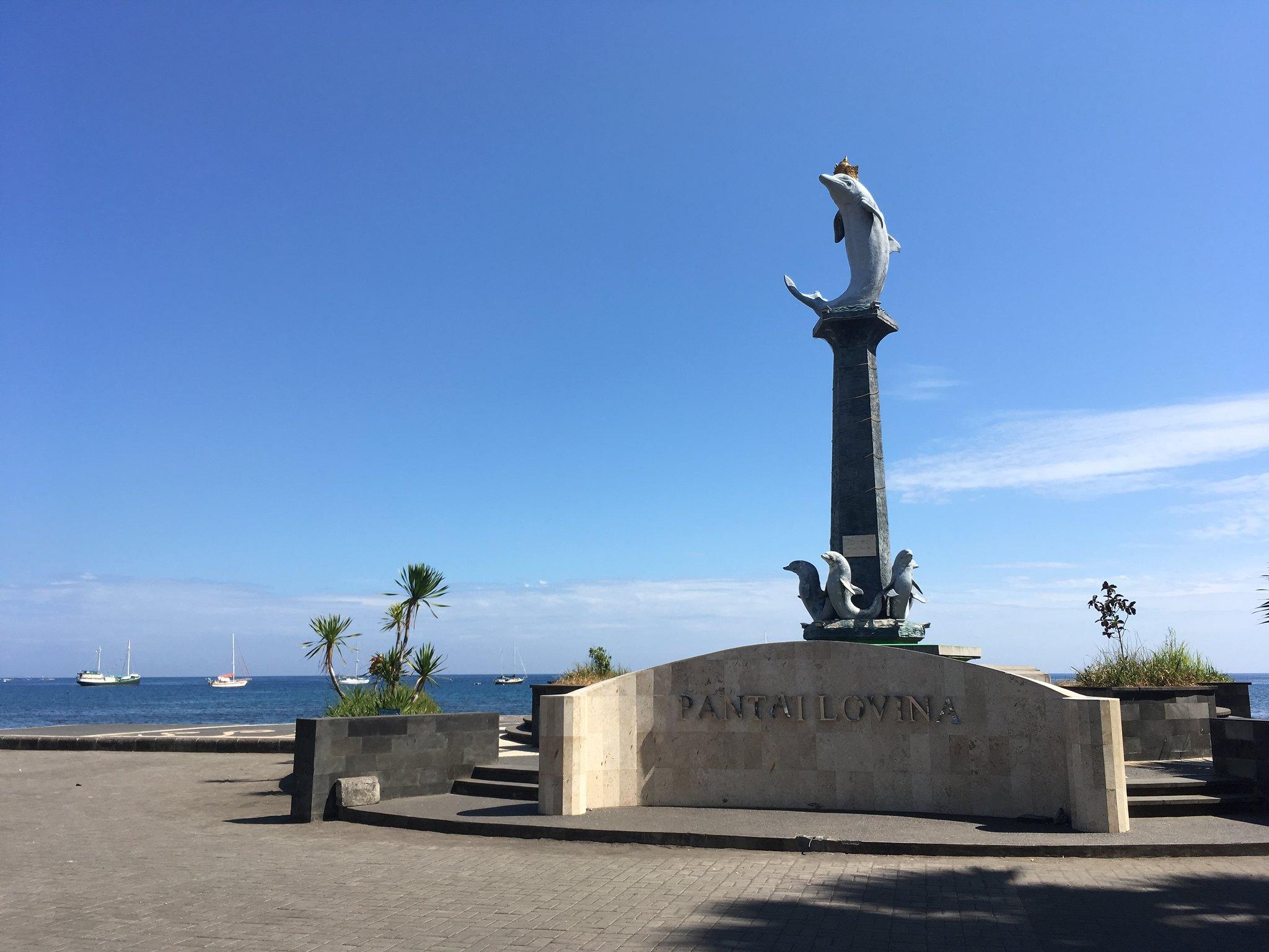 Dolphin Statue Lovina