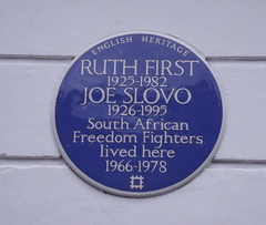 Photo of Joe Slovo and Ruth First blue plaque
