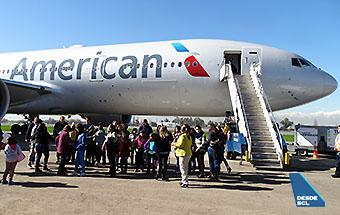 American Airlines B777-200ER María Ayuda 1 (RD)