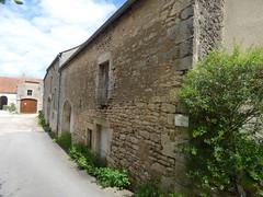 Place de l'Ancien Couvent, Flavigny-sur-Ozerain - Castafours ancienc convent des Ursulines