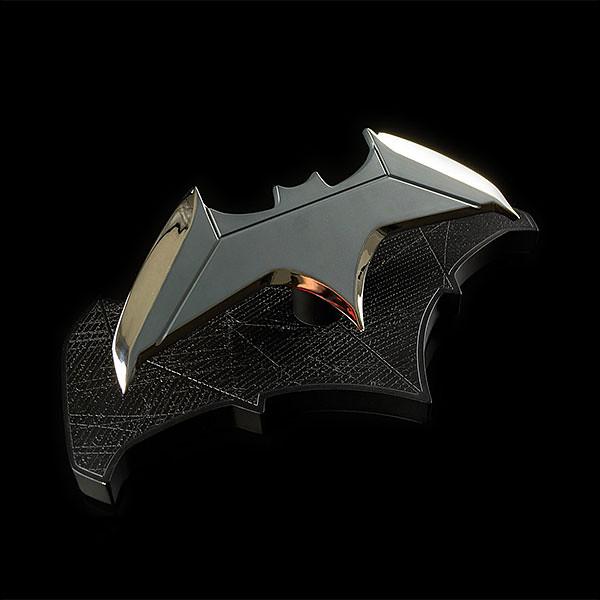 朝向蝙蝠俠之路邁進!!ThinkGeek 蝙蝠俠【蝙蝠飛鏢複製品】Batman Batarang 1:1 Scale Replica