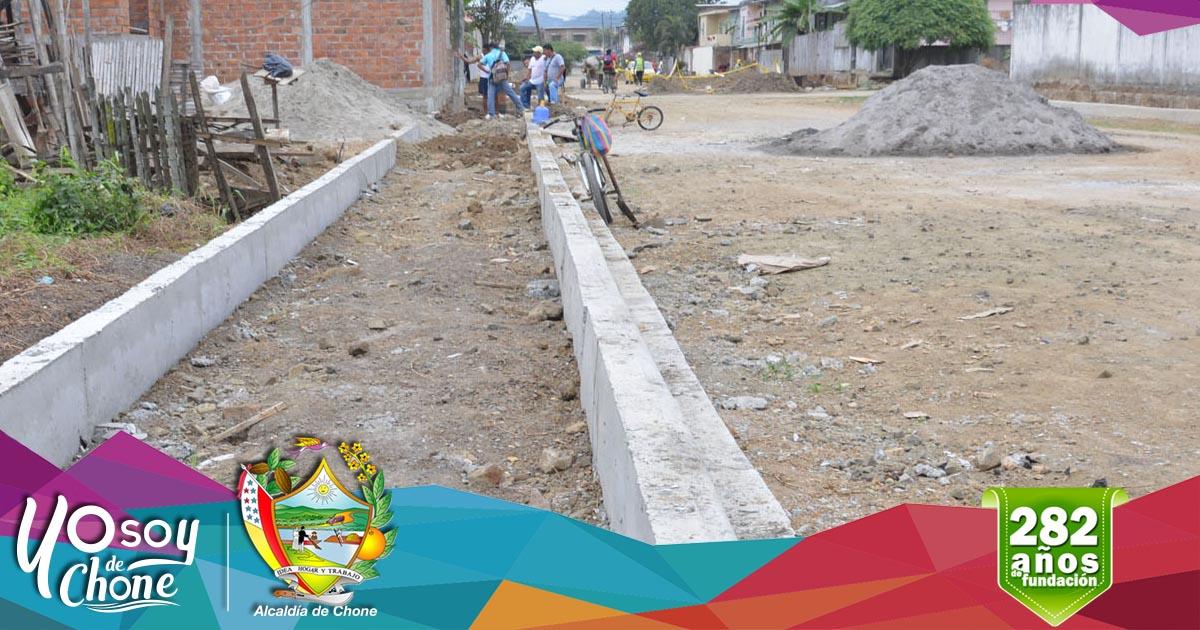 Continúan trabajos en calle Ítalo Colamarco Intriago