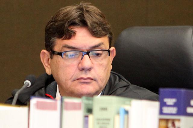 Juiz alega que não se pode considerar a participação em um debate como uma atividade partidária - Créditos: Divulgação TJ-AL