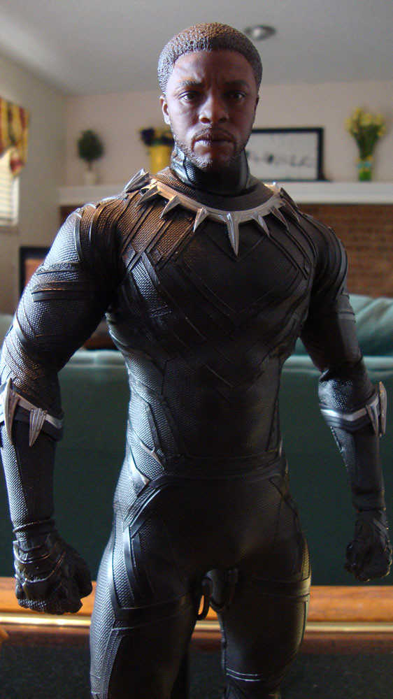 osw.zone Hot Toys Black Panther custom Head (purchased from Onesixthkit)