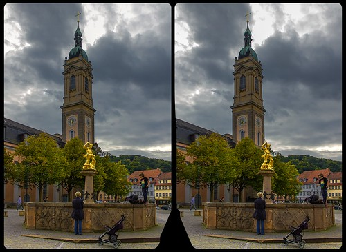 thuringia thüringen eisenach streetphotography urban citylife architecture well brunnen georgsbrunnen downtown altstadt innenstadt europe germany crosseye crosseyed crossview xview cross eye pair freeview sidebyside sbs kreuzblick 3d 3dphoto 3dstereo 3rddimension spatial stereo stereo3d stereophoto stereophotography stereoscopic stereoscopy stereotron threedimensional stereoview stereophotomaker stereophotograph 3dpicture 3dglasses 3dimage twin canon eos 550d yongnuo radio transmitter remote control synchron kitlens 1855mm tonemapping hdr hdri raw
