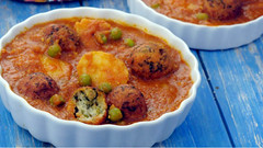 Bread Koftas In Pumpkin Curry
