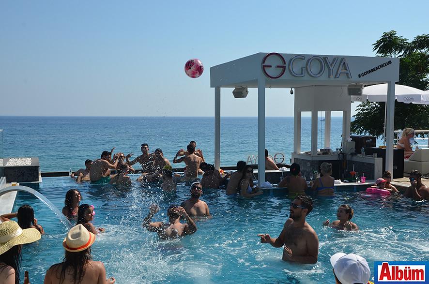 Goya Beach'te pazar keyfi