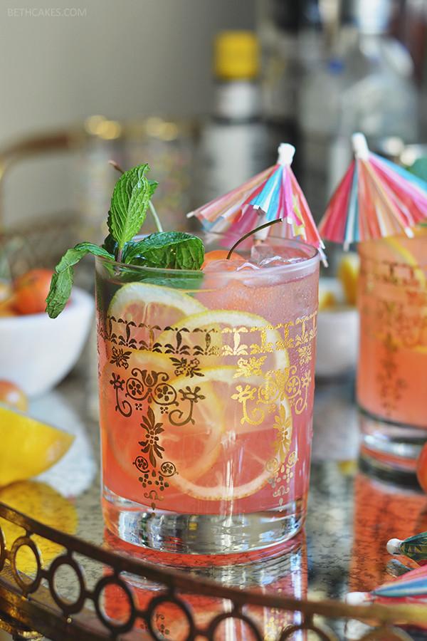 Pink Lemonade Margaritas // bethcakes.com
