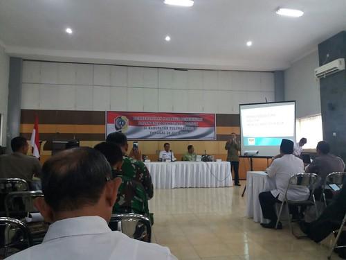 KPU TULUNGAGUNG BERIKAN MATERI SOSIALISASI DI HADAPAN ASN/PNS, DAN TNI/POLRI